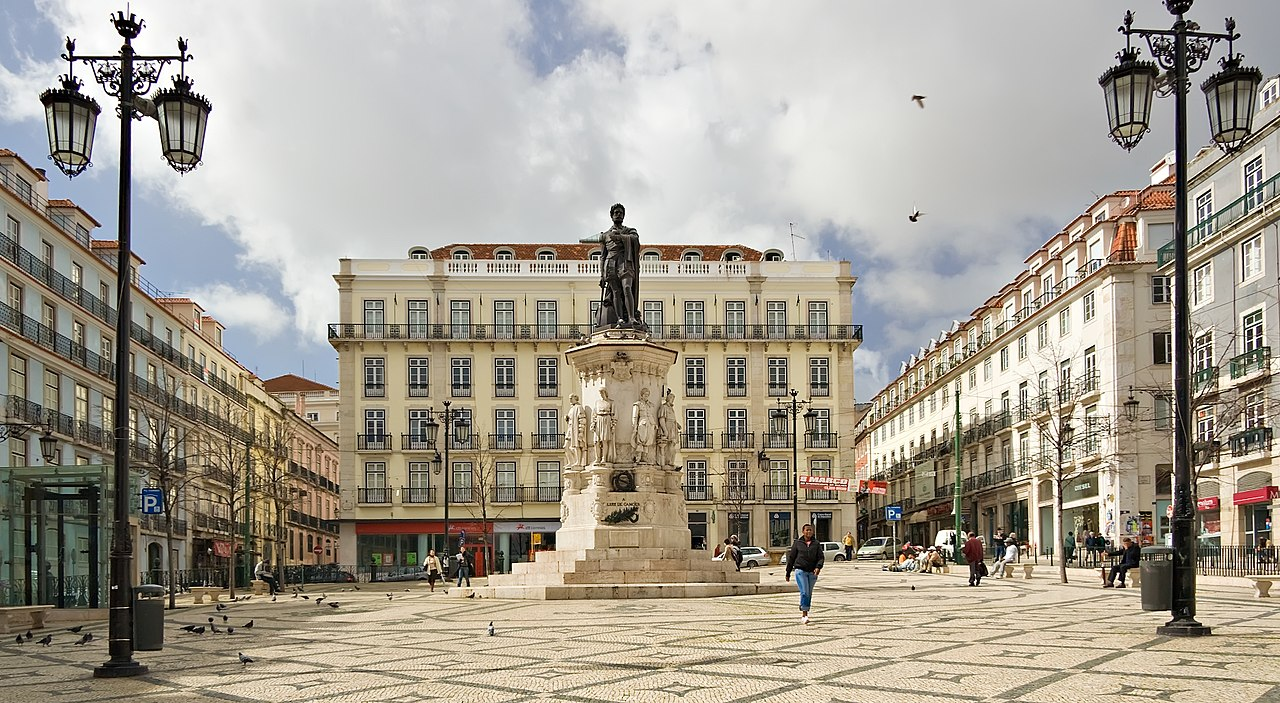 9 Hotel Mercy Lisbon Luís Camoes Square